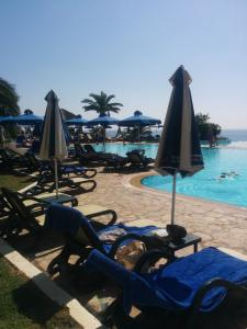 ΣΤΗΝ ΠΙΣΙΝΑ ΤΟΥ ATLANTICA CLUB SUNGARDEN HOTEL